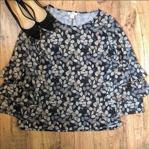 Style & Co gray leaf pattern bell sleeve top sz 1X